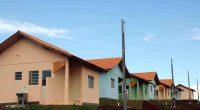 07/01/2011 - Cohapar inaugura conjunto habitacional em Quedas do Iguaçu - Conjunto Residencial Jagoda. Foto: Felipe Gusinski / Cohapar